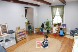 Montessori Luna Bilingual Program